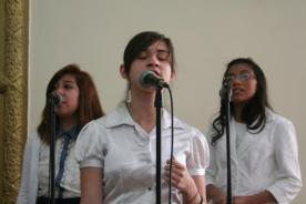 "Mercy, Debora & Genesis -IDDPMI ""Monte Carmelo"" singing the devotional"